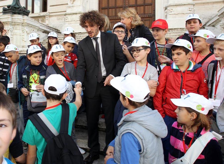 Gli alunni di montecatini terme ospiti alla camera dei for Camera deputati indirizzo